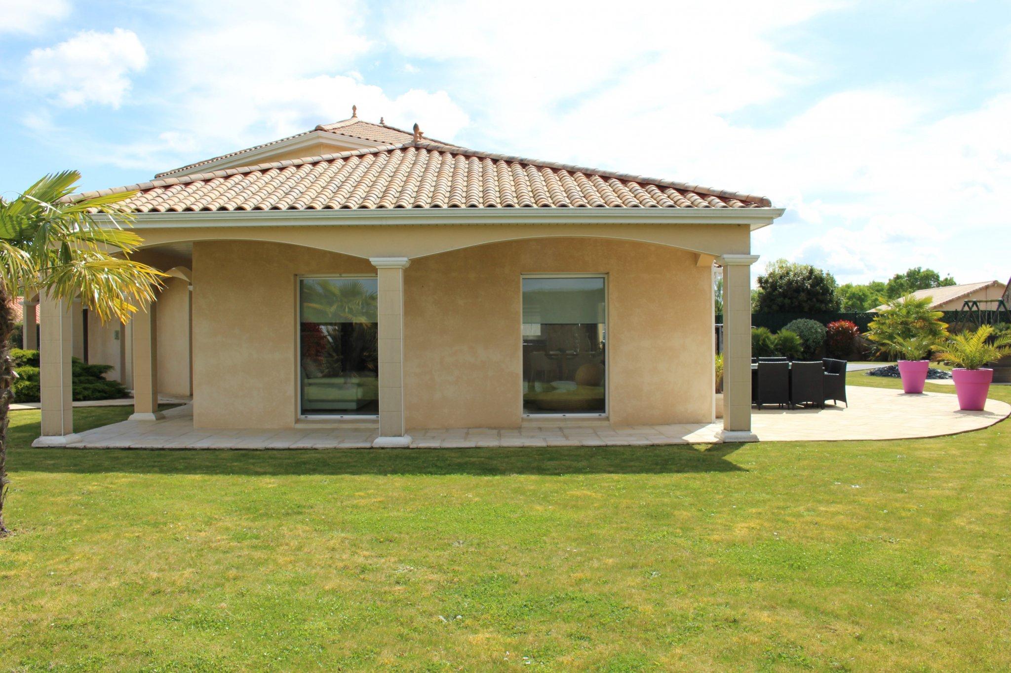 Maison Moderne De 185M² Habitable Avec Piscine pour Piscine Le Loroux Bottereau