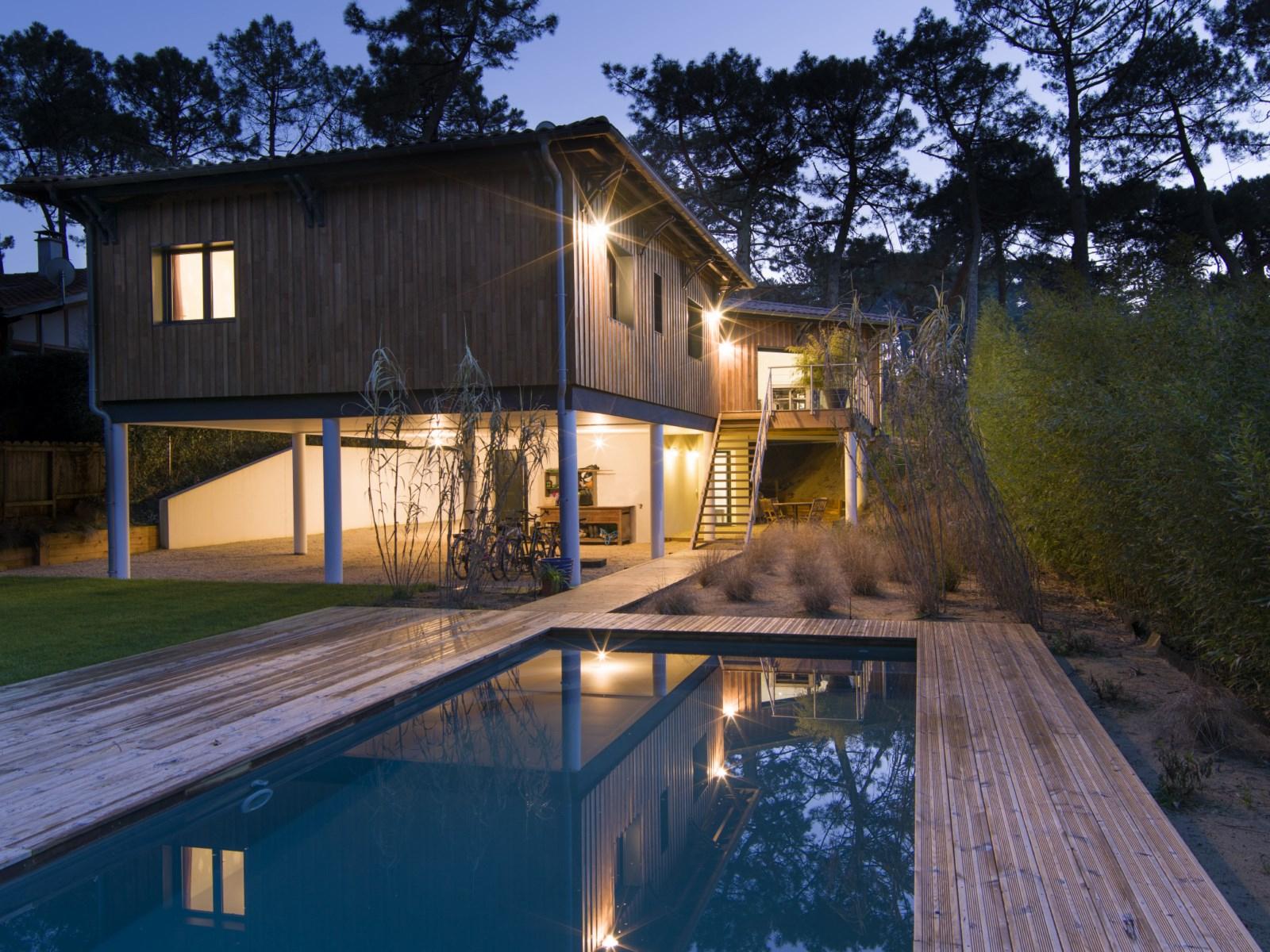 Maison Neuve Sur Pilotis A Pyla Sur Mer - Construction De ... concernant Piscine Sur Pilotis