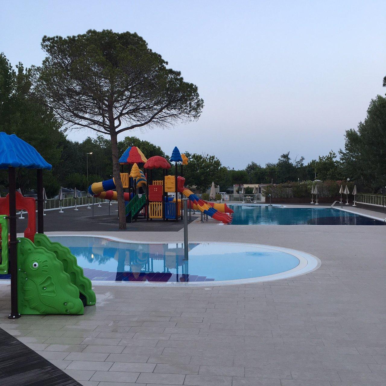 Marina Camping Village (Punta Marina Terme, İtalya) - Kamp ... tout Piscine Du Lido