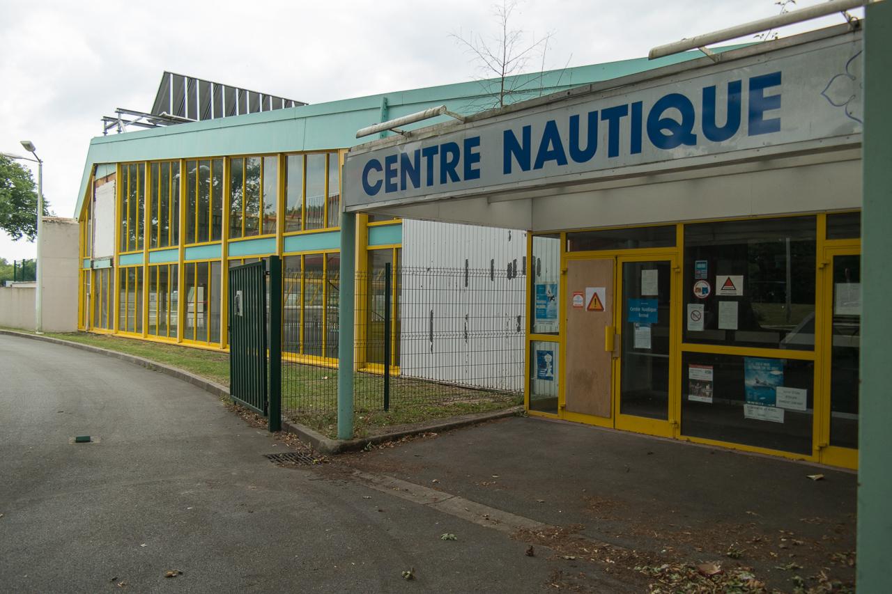 Maurepas - L'actuelle Piscine Bientôt Détruite Pour Faire ... dedans Piscine Maurepas