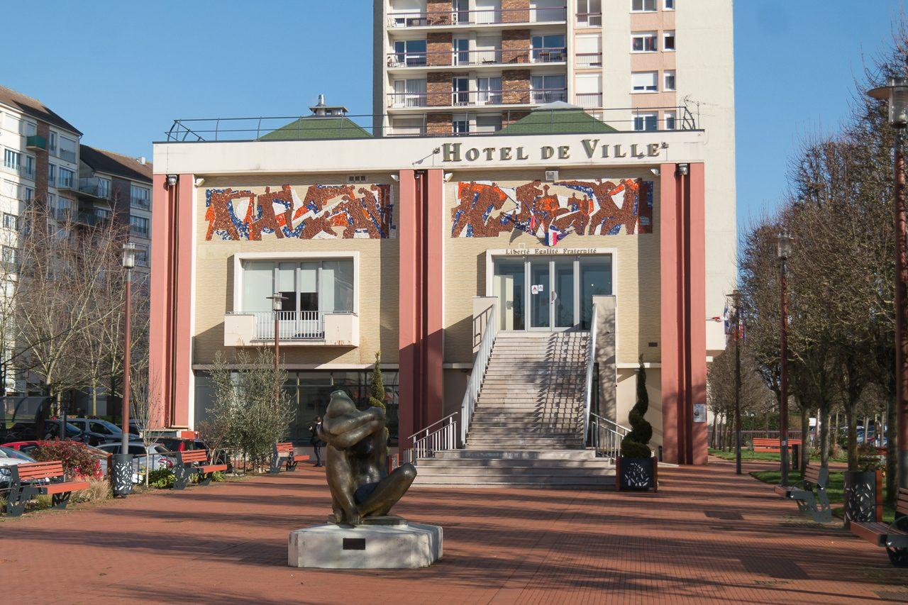 Maurepas - Municipales 2020 : Quatre Candidats En Lice Pour ... intérieur Piscine Maurepas