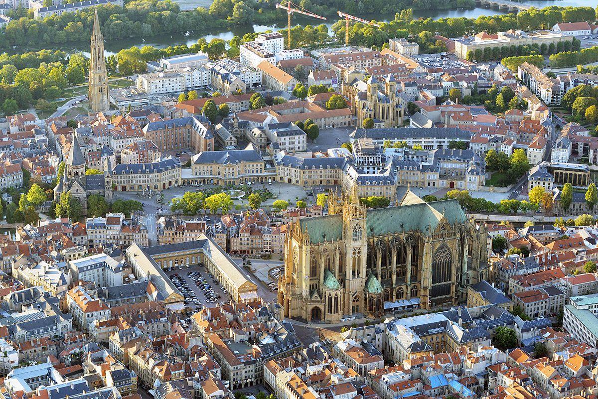 Metz — Wikipédia dedans Piscine Maizieres Les Metz