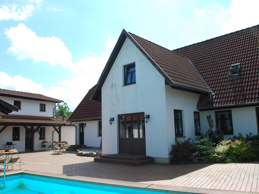 Modern Apartment In Dargun Mecklenburg With Swimming Pool ... dedans Piscine Barlin