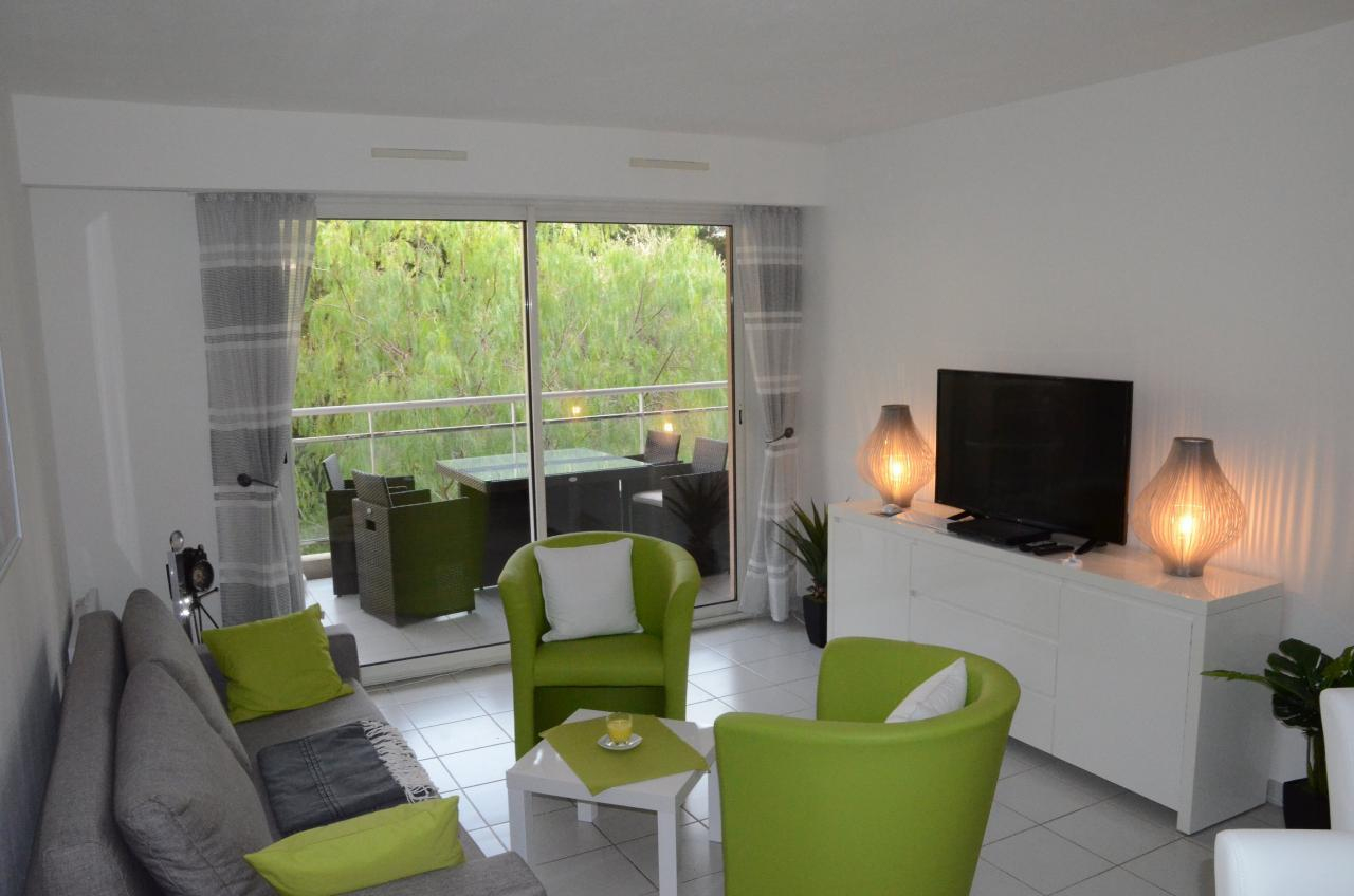 Modern Comfortable Holiday Apartment With Garage In The ... destiné Piscine Campelières