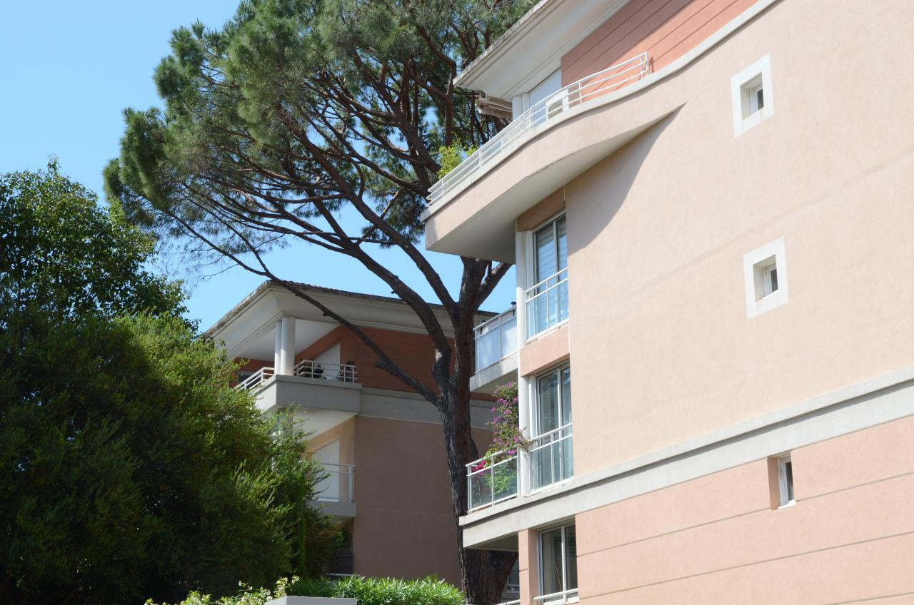 Modern Comfortable Holiday Apartment With Garage In The ... serapportantà Piscine Campelières