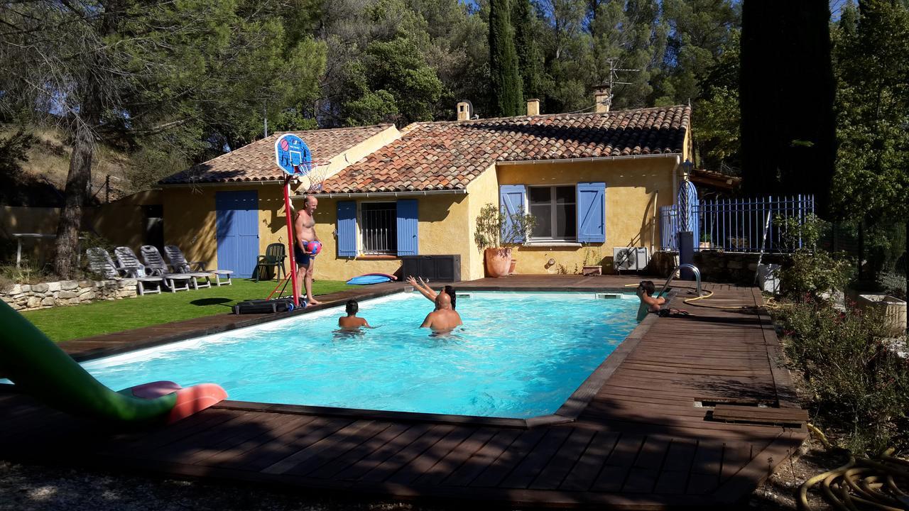 Montagnier Villa De Vacances, Peypin-D'aigues, France ... à Cash Piscine Manosque