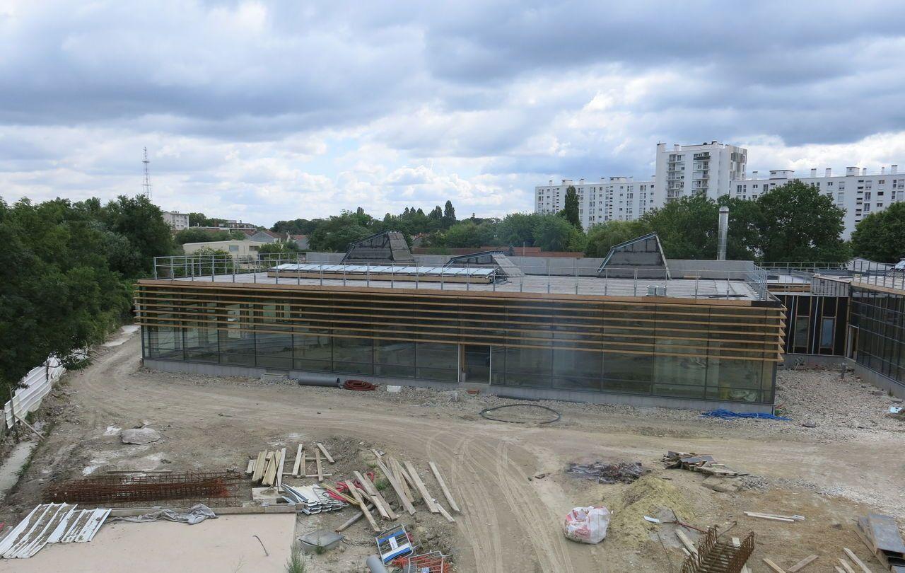 Montreuil : L'association Des Murs À Pêches Refuse Que La ... concernant Piscine Des Murs À Pêche Montreuil