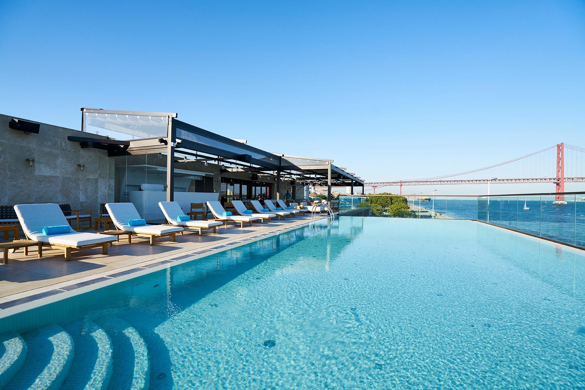 Most Beautiful Rooftop Bars And Restaurants serapportantà Hotel Lisbonne Avec Piscine