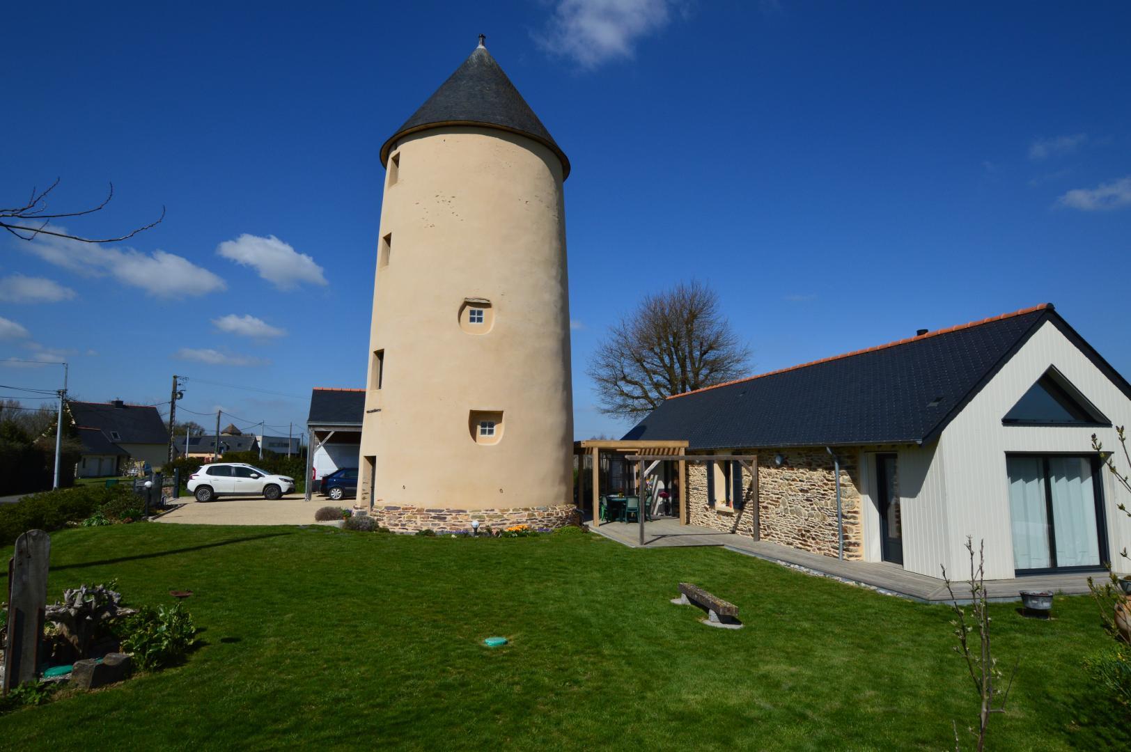 Moulin À Vent Moulin Des Landes À Chanteloup Haute-Bretagne ... encequiconcerne Piscine Du Moulin A Vent