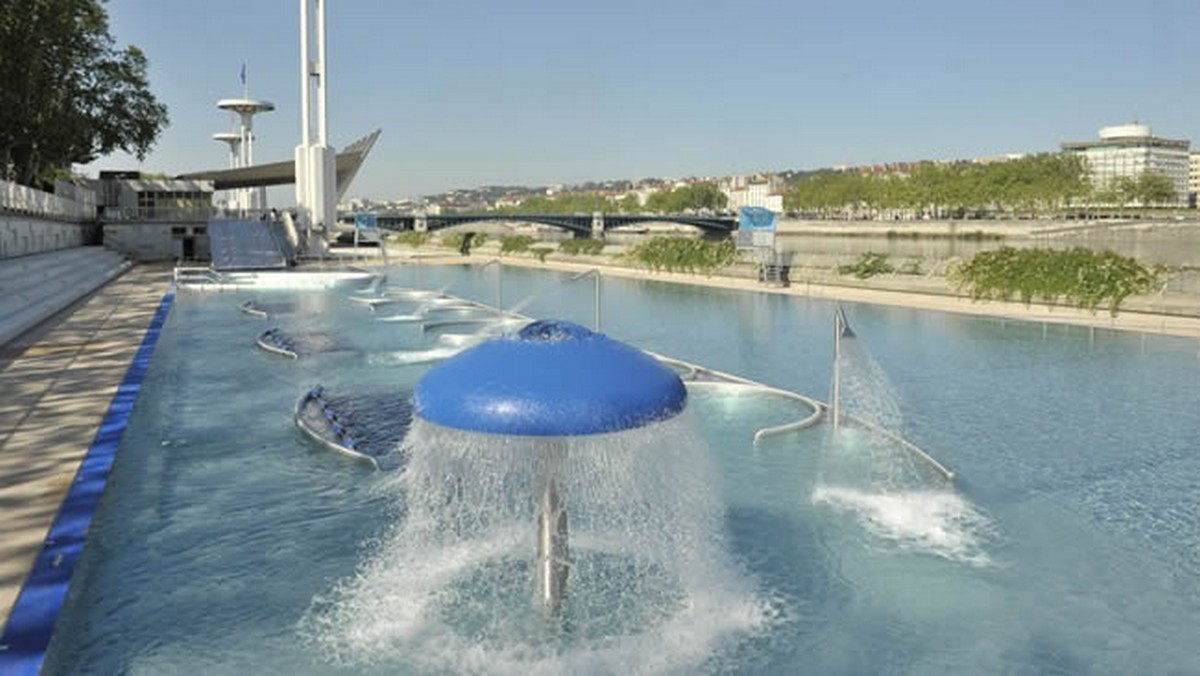 Municipal Swimming Pool Of Rhône - Lyon France intérieur Piscine Tony Bertrand