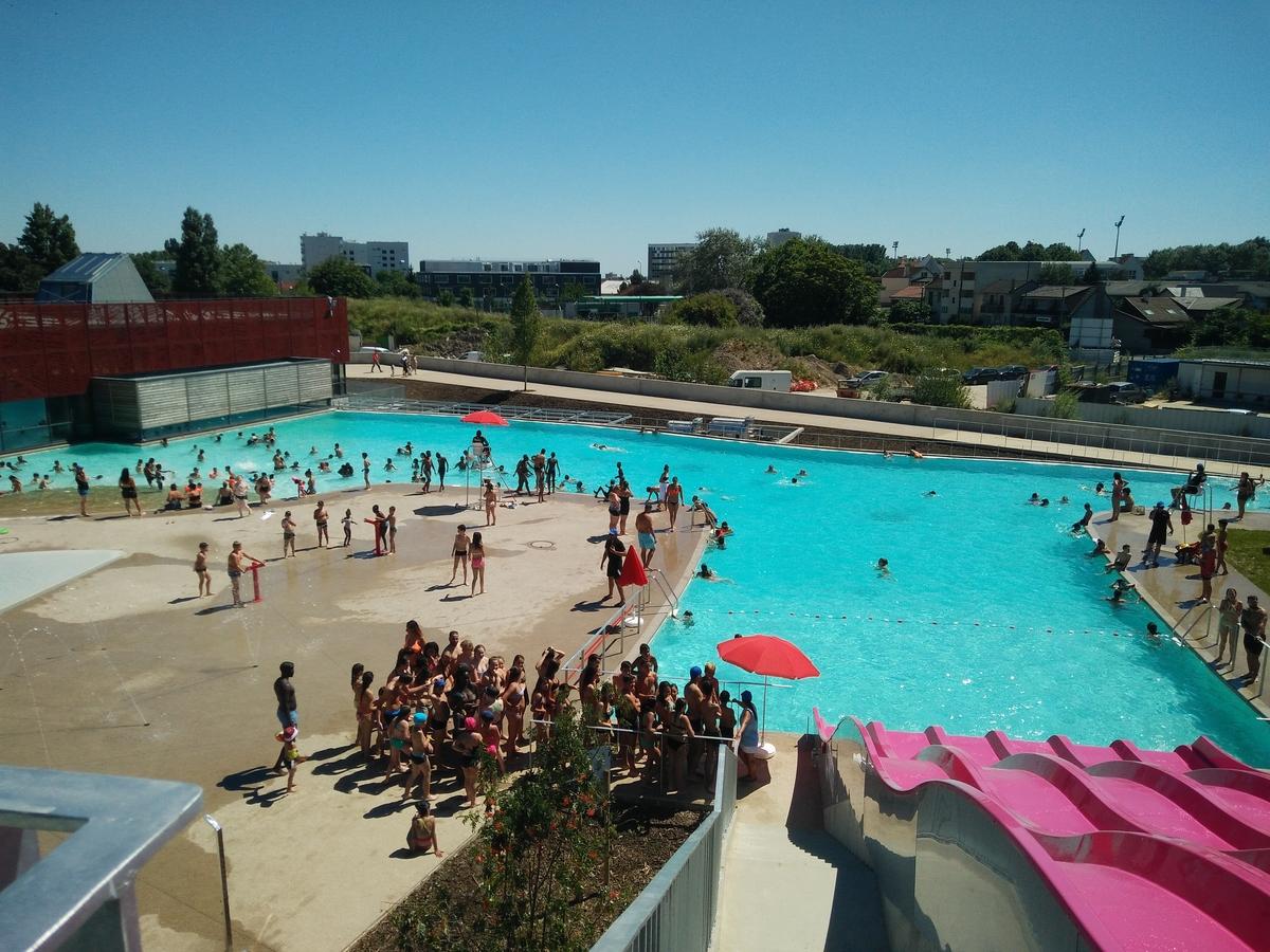 """Murs À Pêches"""" Pool - Construction21 concernant Piscine De Montreuil"""