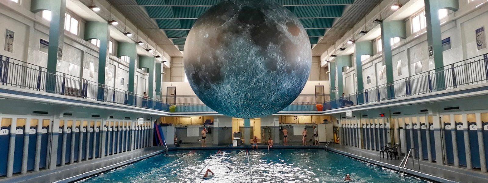 Museum Of The Moon : Nager Sous La Lune À Rennes| Tourisme ... dedans Piscine De Rennes