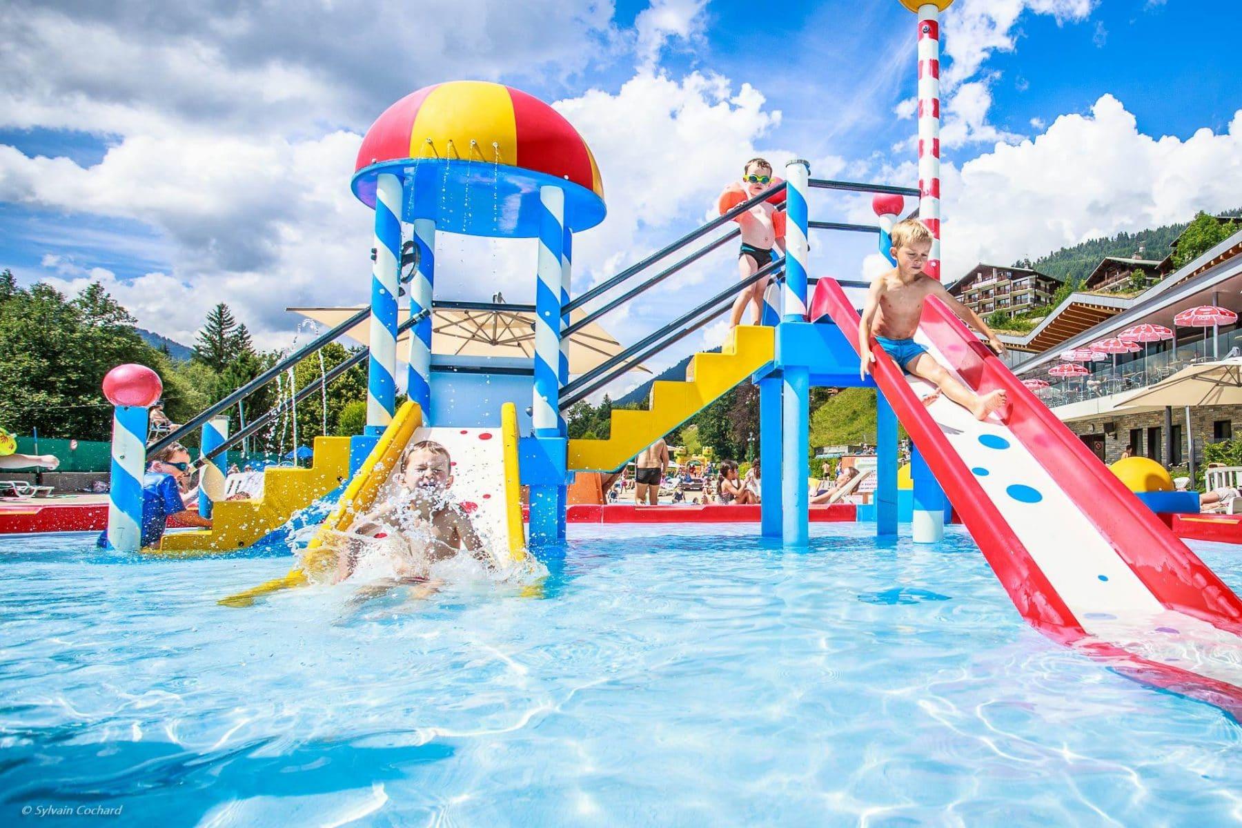 Nager Le Printemps Et L'été - Parc Des Dérêches | Sports Et ... dedans Avoriaz Piscine