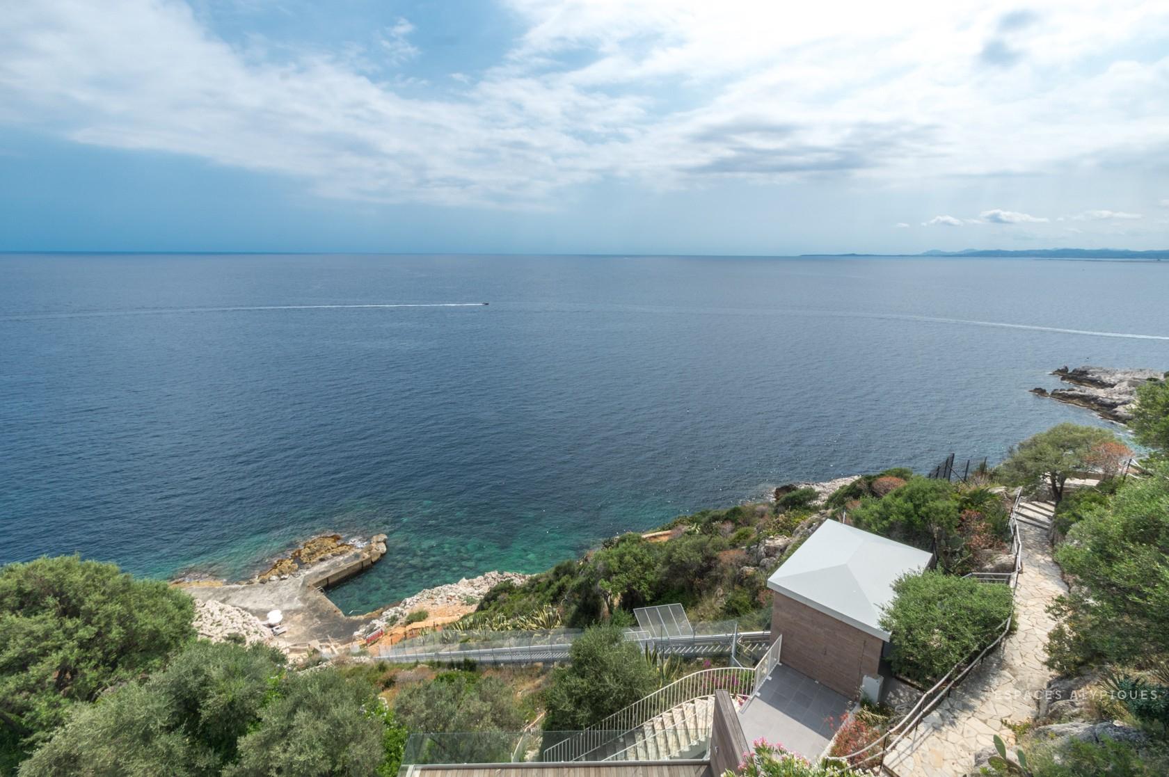 Nice-Cap De Nice : Triplex Contemporain Avec Vue Mer Dans Un ... tout 158 Coté Piscine
