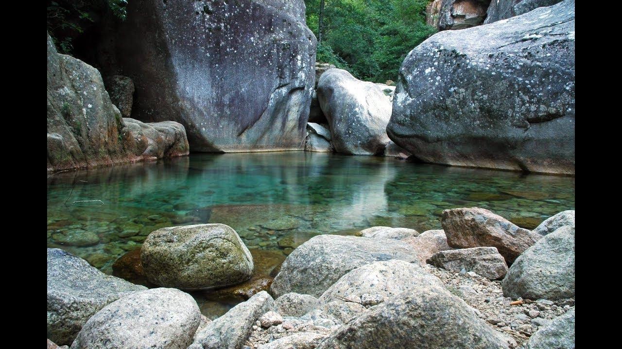 Notre Top 9 Des Endroits Insolites Où Se Baigner En France ... dedans Piscine Naturelle D Eau Chaude Corse Du Sud