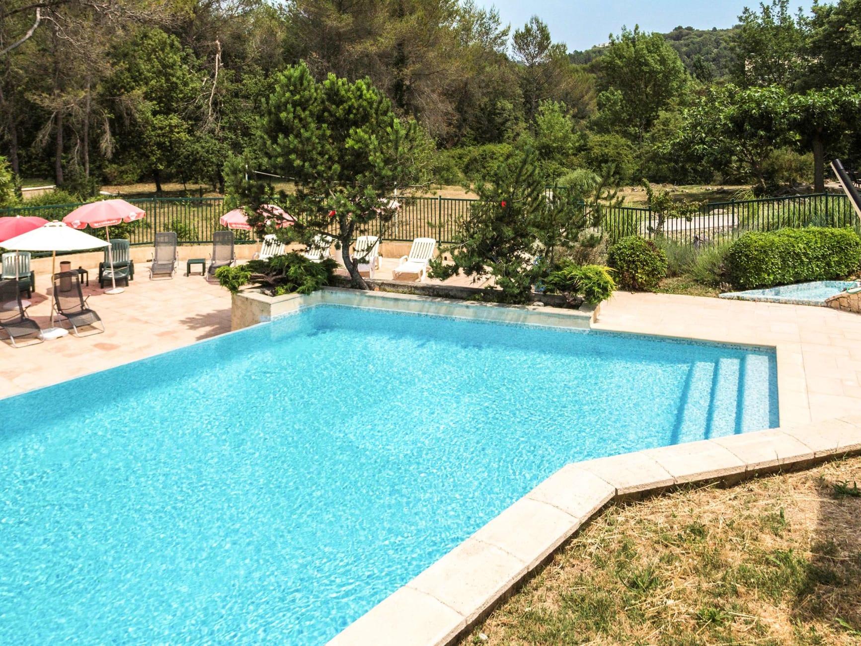 Otel Hotel Ibis Antibes Sophia Antipolis, Sophia Antipolis ... concernant Piscine Sophia Antipolis
