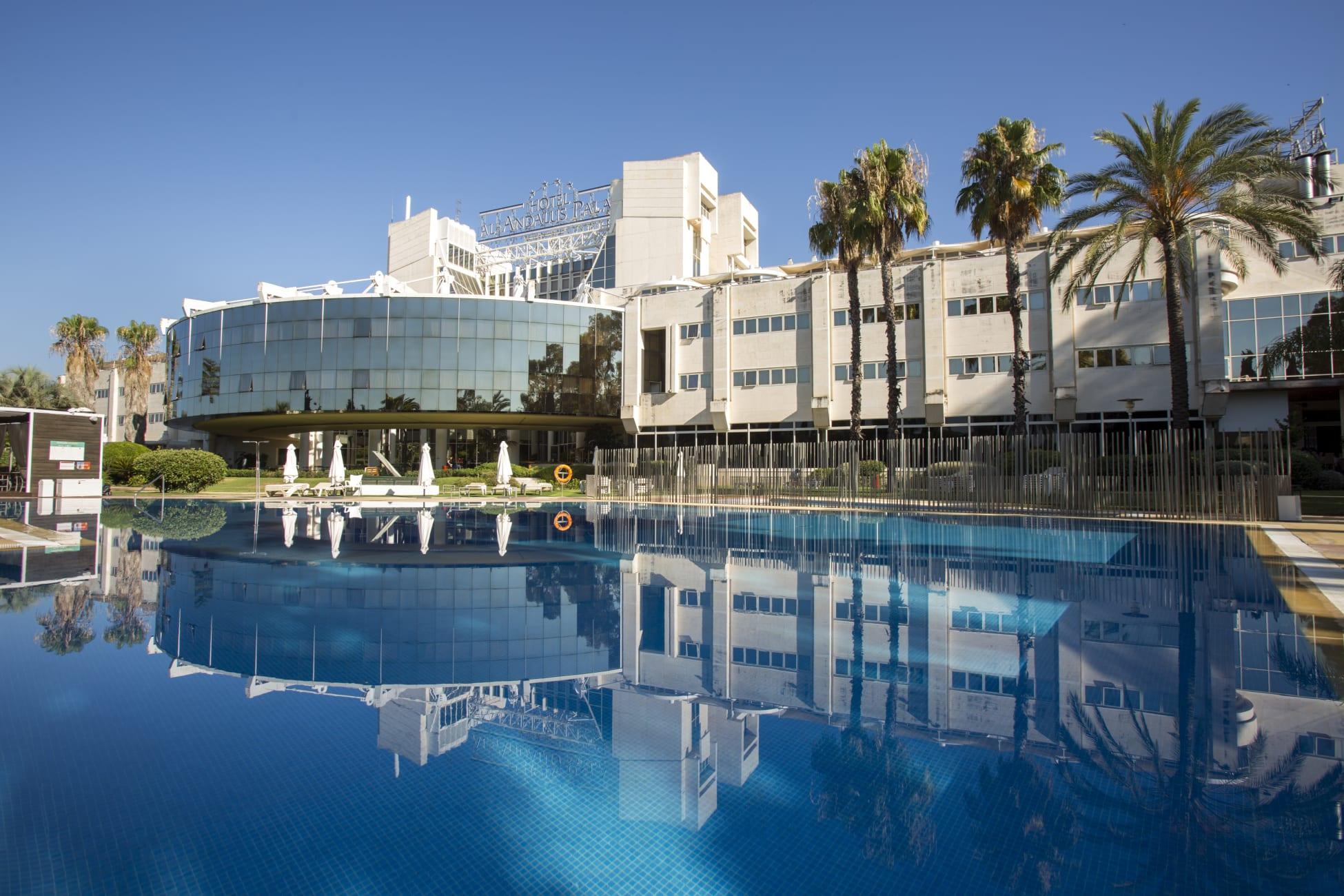 Otel Hotel Silken Al-Andalus Sevilla, Seville - Trivago.tr serapportantà Hotel Seville Piscine