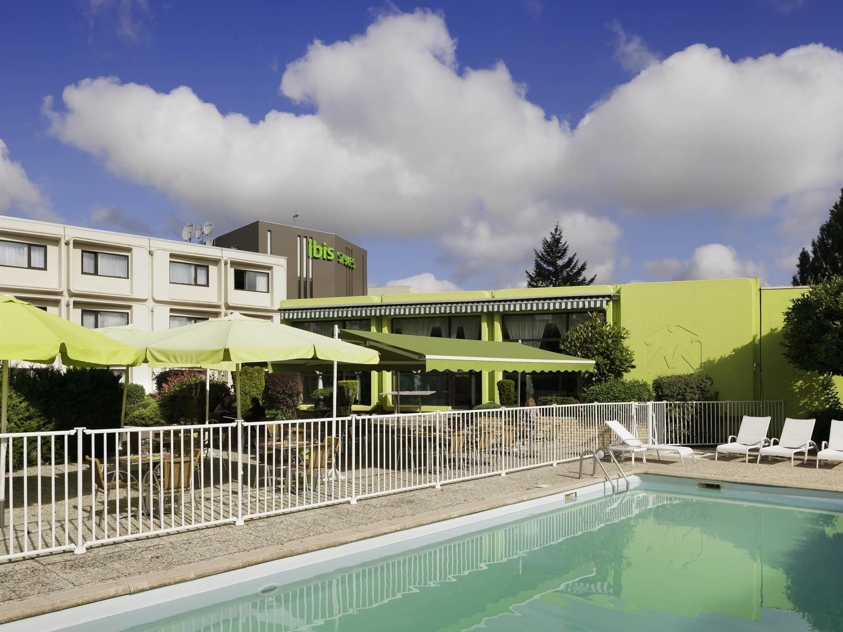 Otel Ibis Styles Chalon-Sur-Saône Hotel, Chalon-Sur-Saône ... destiné Piscine Chalon