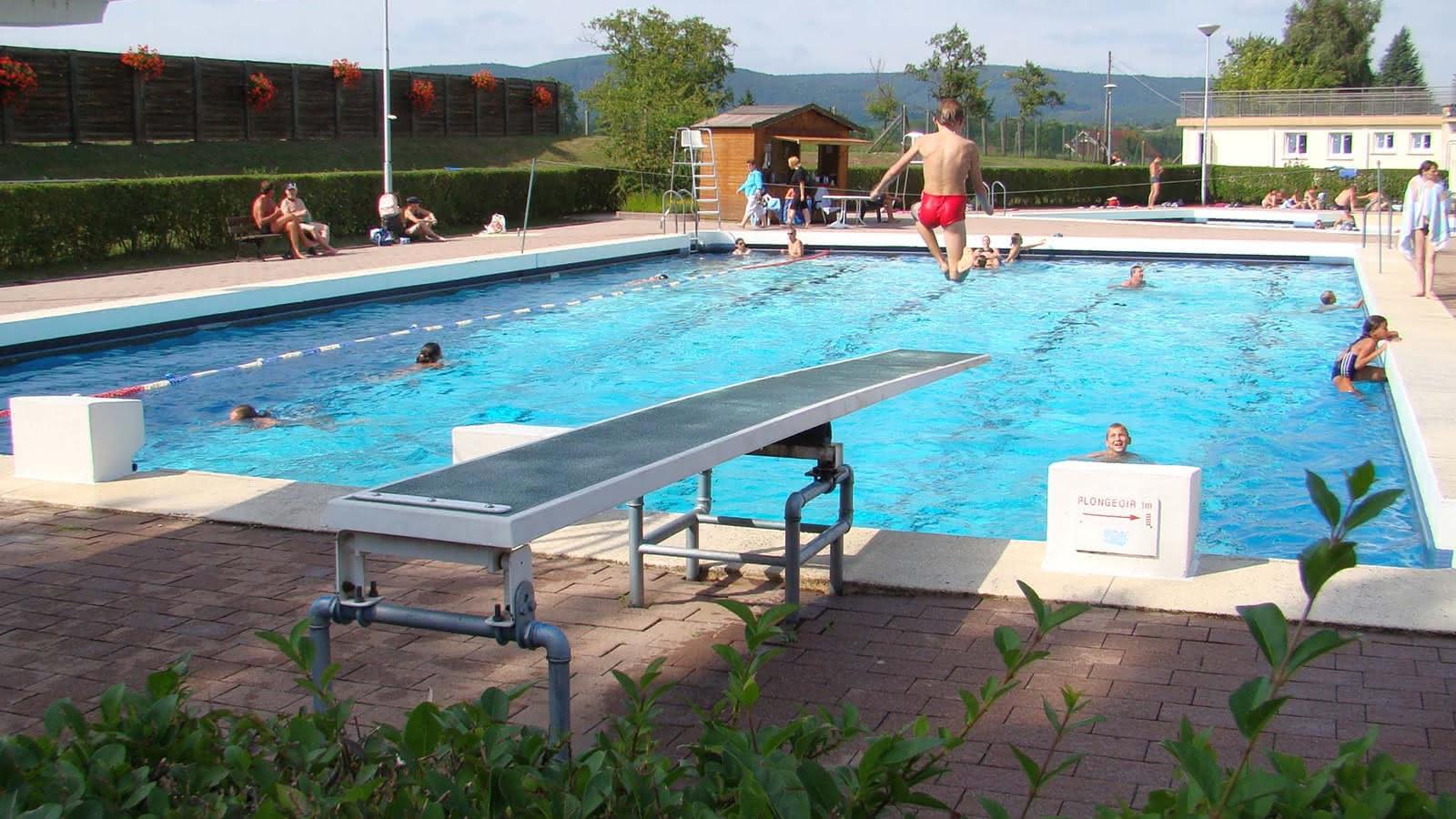 Outdoor Swimming Pool - Reichshoffen | Visit Alsace avec Piscine Niederbronn
