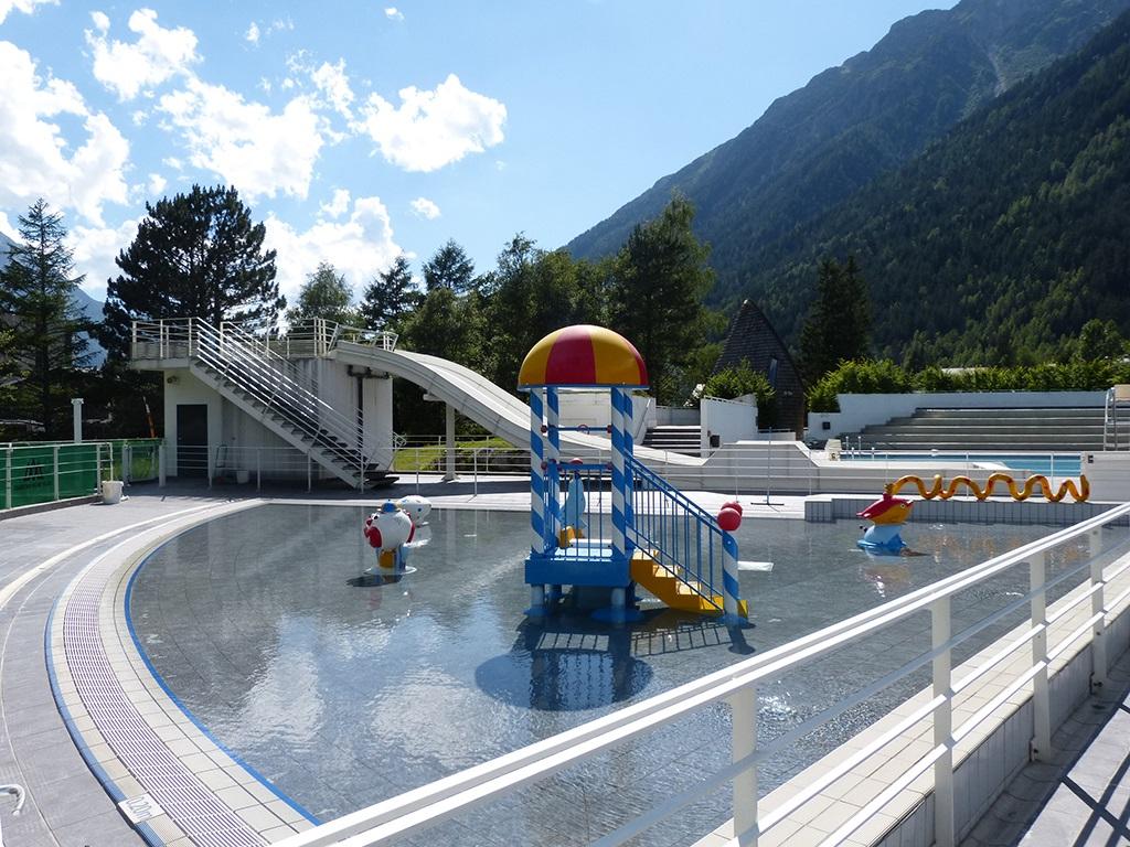 Ouverture Des Bassins Exterieurs De La Piscine De Chamonix ... intérieur Piscine De Chamonix