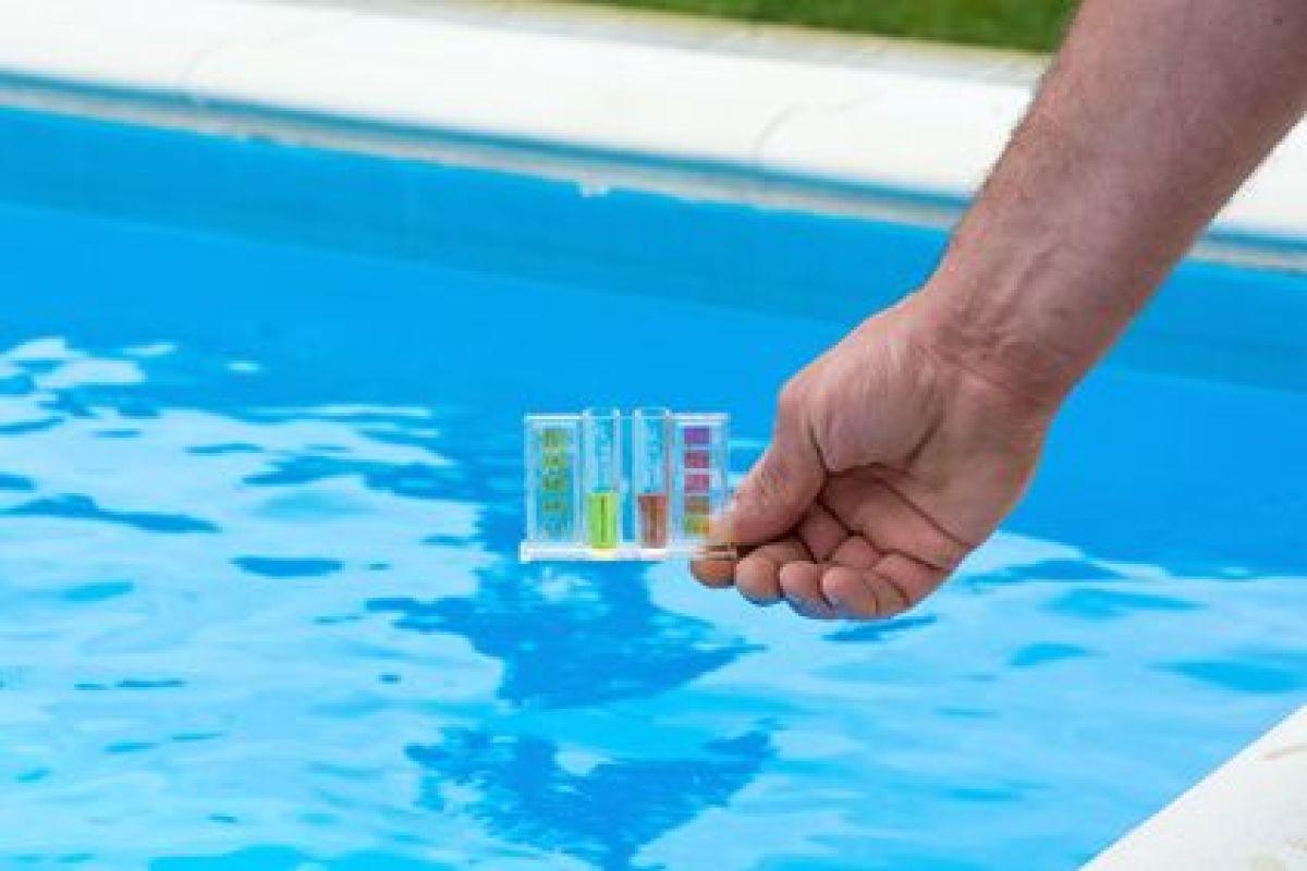 Paramètres Et Analyse De L'eau D'une Piscine Au Brome ... à Trop De Chlore Piscine