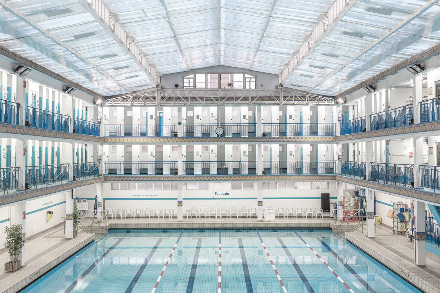 Paris' Incredible Swimming Pools Photographed By Ludwig Favre avec Piscine De Pontoise