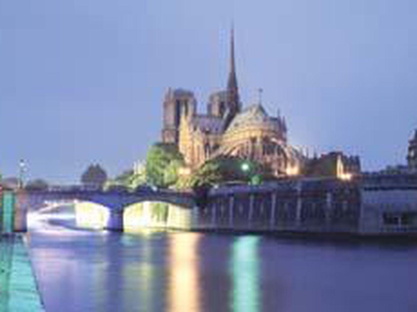 Paris, The City Of Light, Has Some Secrets To Share ... à Piscine Square Du Luxembourg