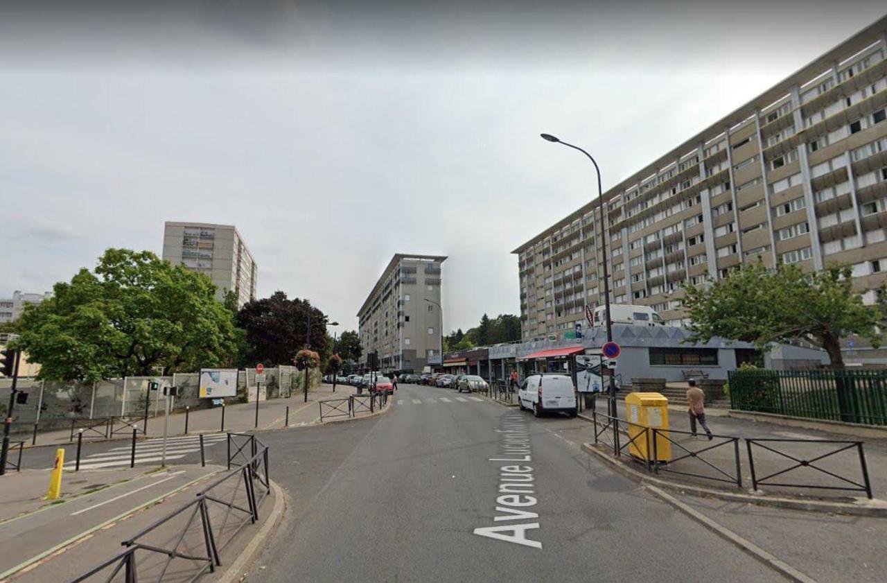 Paris : Une Nouvelle Piscine Porte De Bagnolet En Guise De ... à Piscine Guise