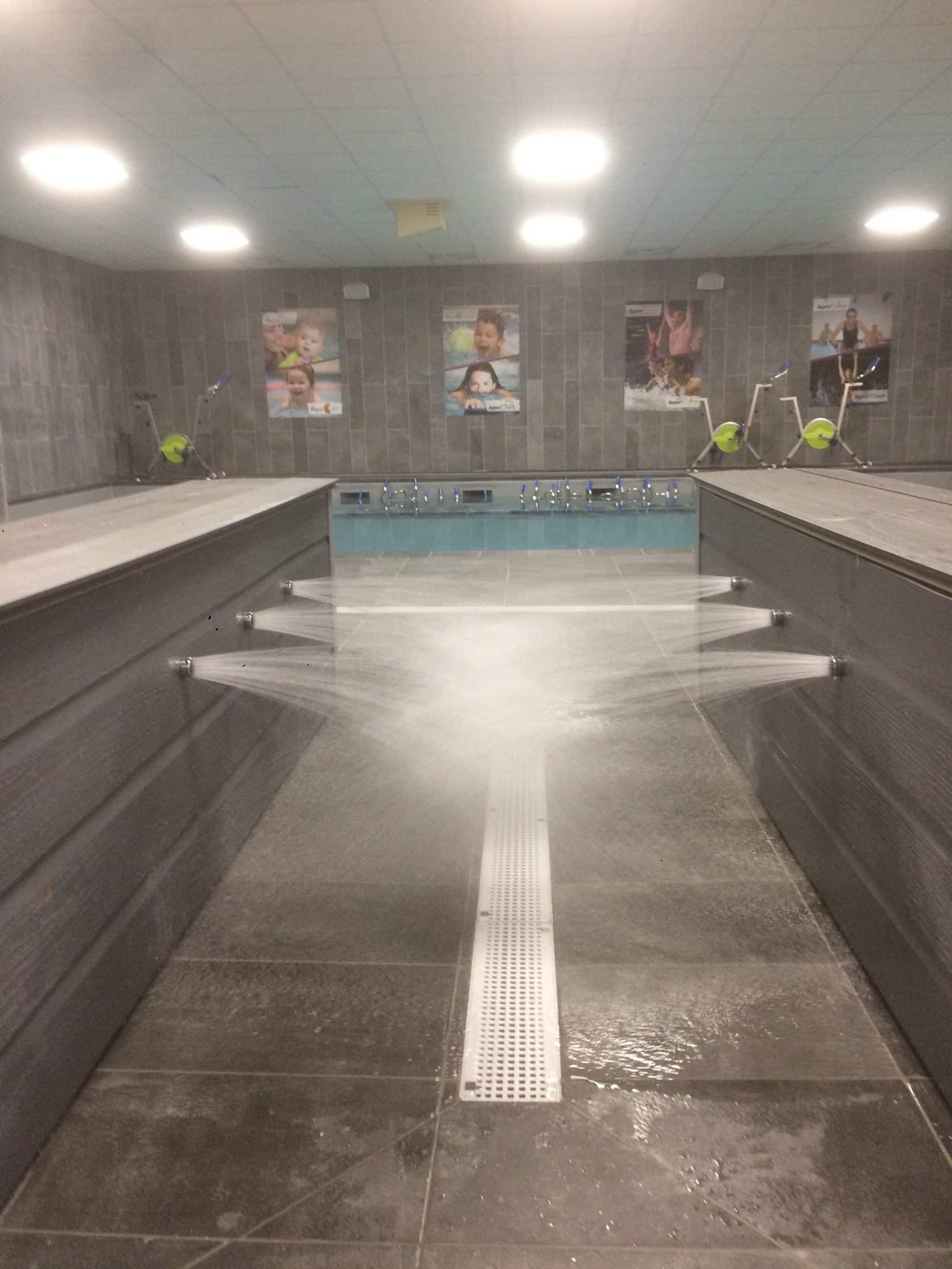 Pédiluve Par Aspersion Dans Un Centre Aquabike - Swimform encequiconcerne Pédiluve Piscine