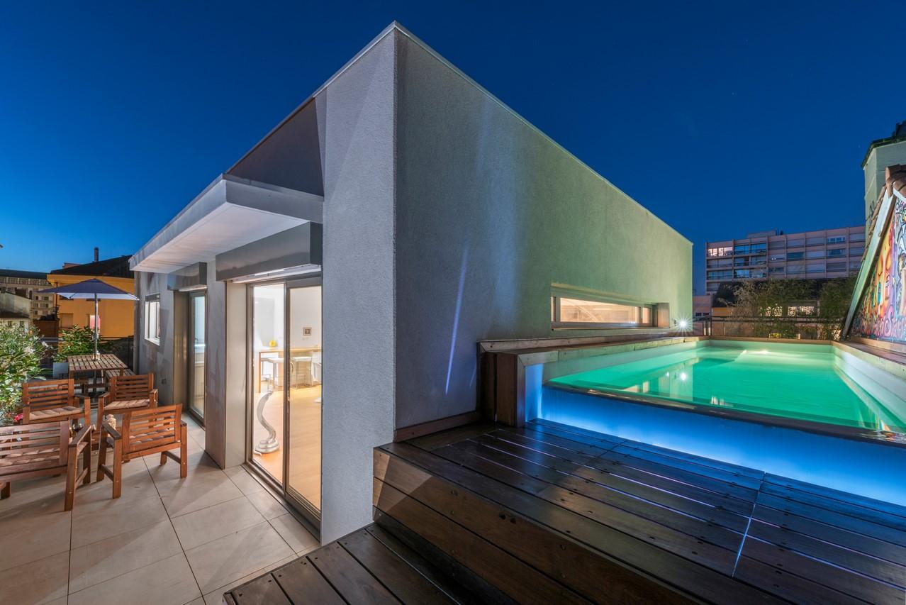 Penthouse D'exception De 160M² Avec Terrasse Et Piscine À ... à Piscine Lyon 3