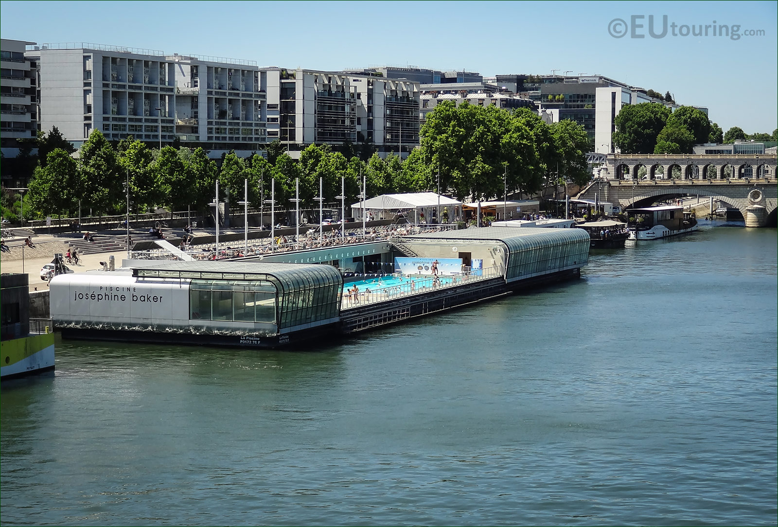 Photo Of Piscine Josephine Barker On The River Seine Paris ... intérieur Josephine Baker Piscine