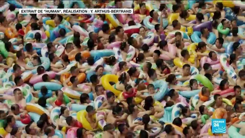 Photographie : Décryptage De L'image De La Piscine Bondée En Chine intérieur Piscine Chine