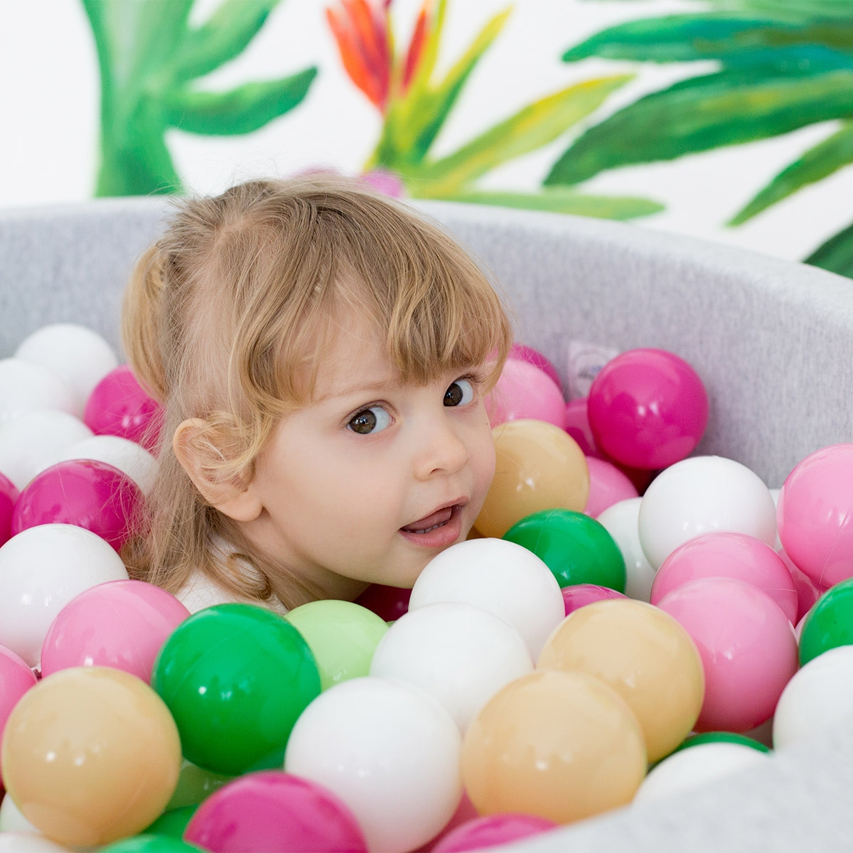 Piscine À Balles Géante - Les Petits Raffineurs serapportantà Piscine A Balle Geante