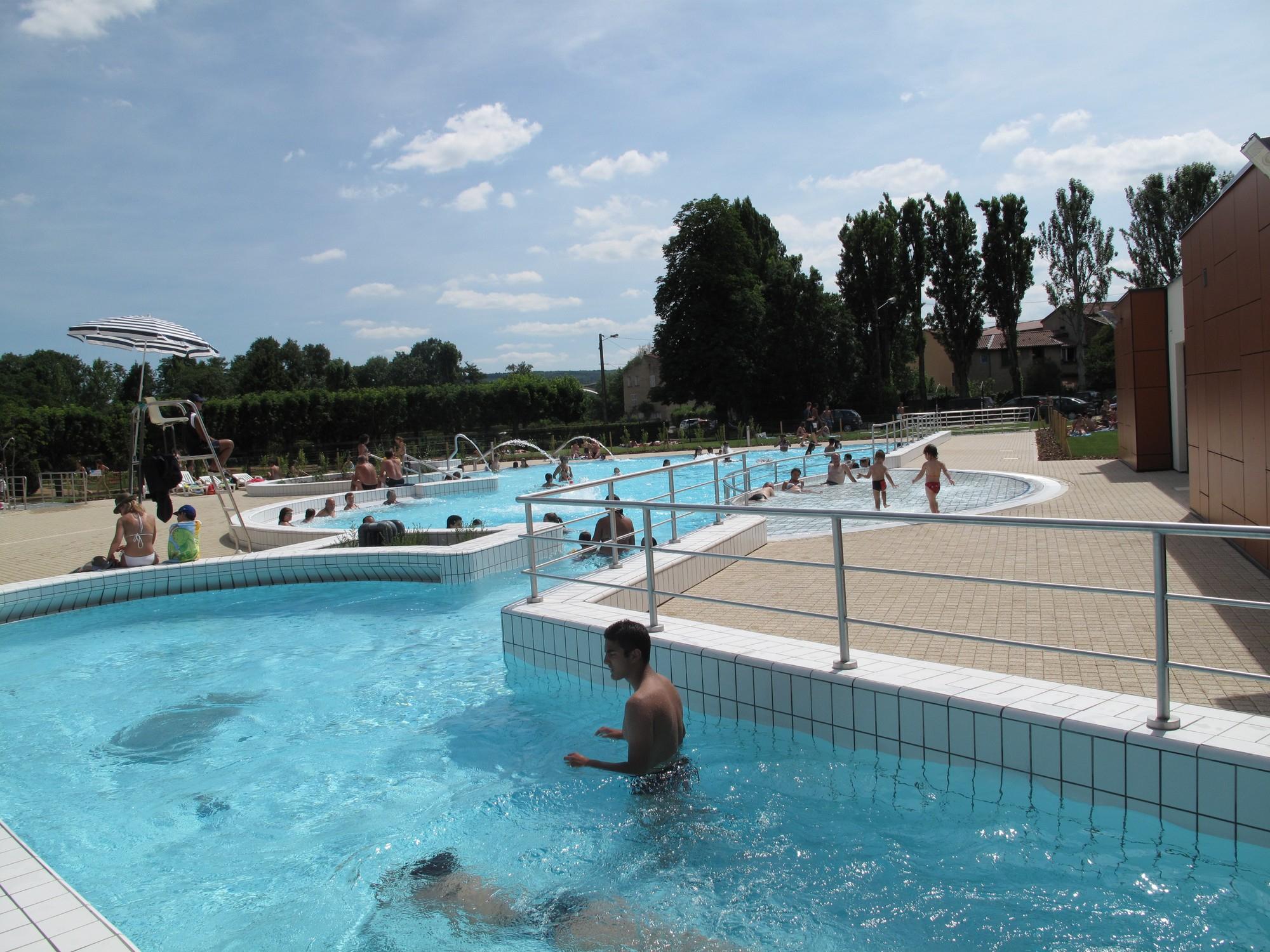 Piscine À Issoire - Horaires Et Tarifs Du Centre Aqualudique à Piscine De L Union