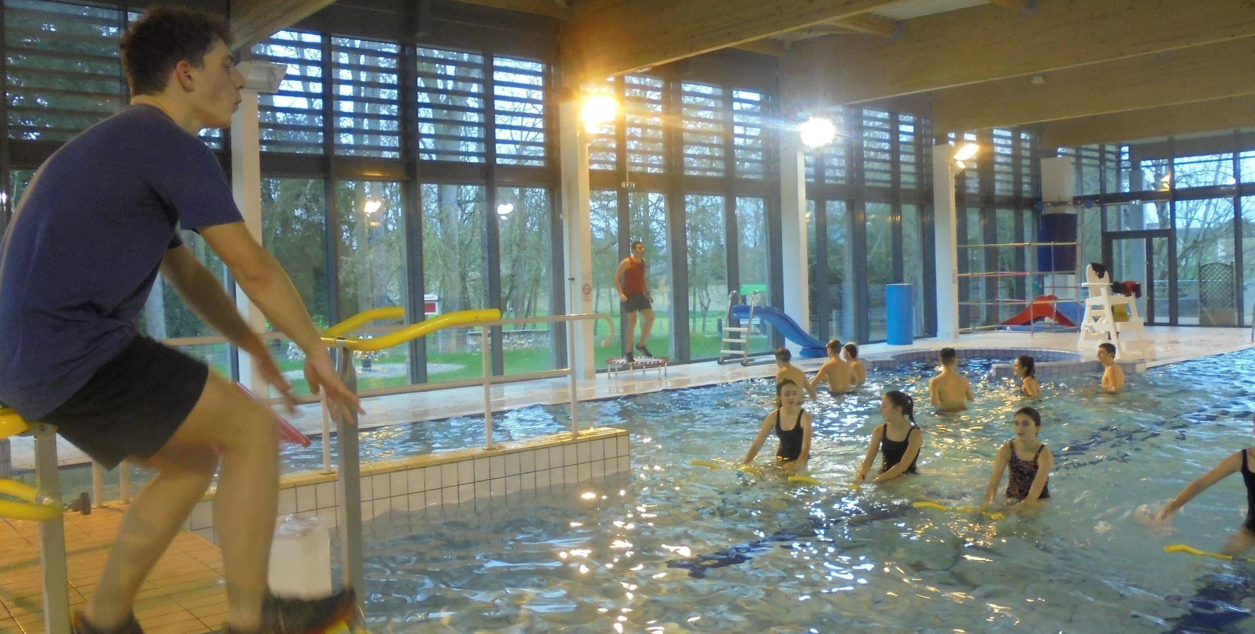 Piscine : À La Découverte Des Métiers Aquatiques tout Piscine De Lencloitre