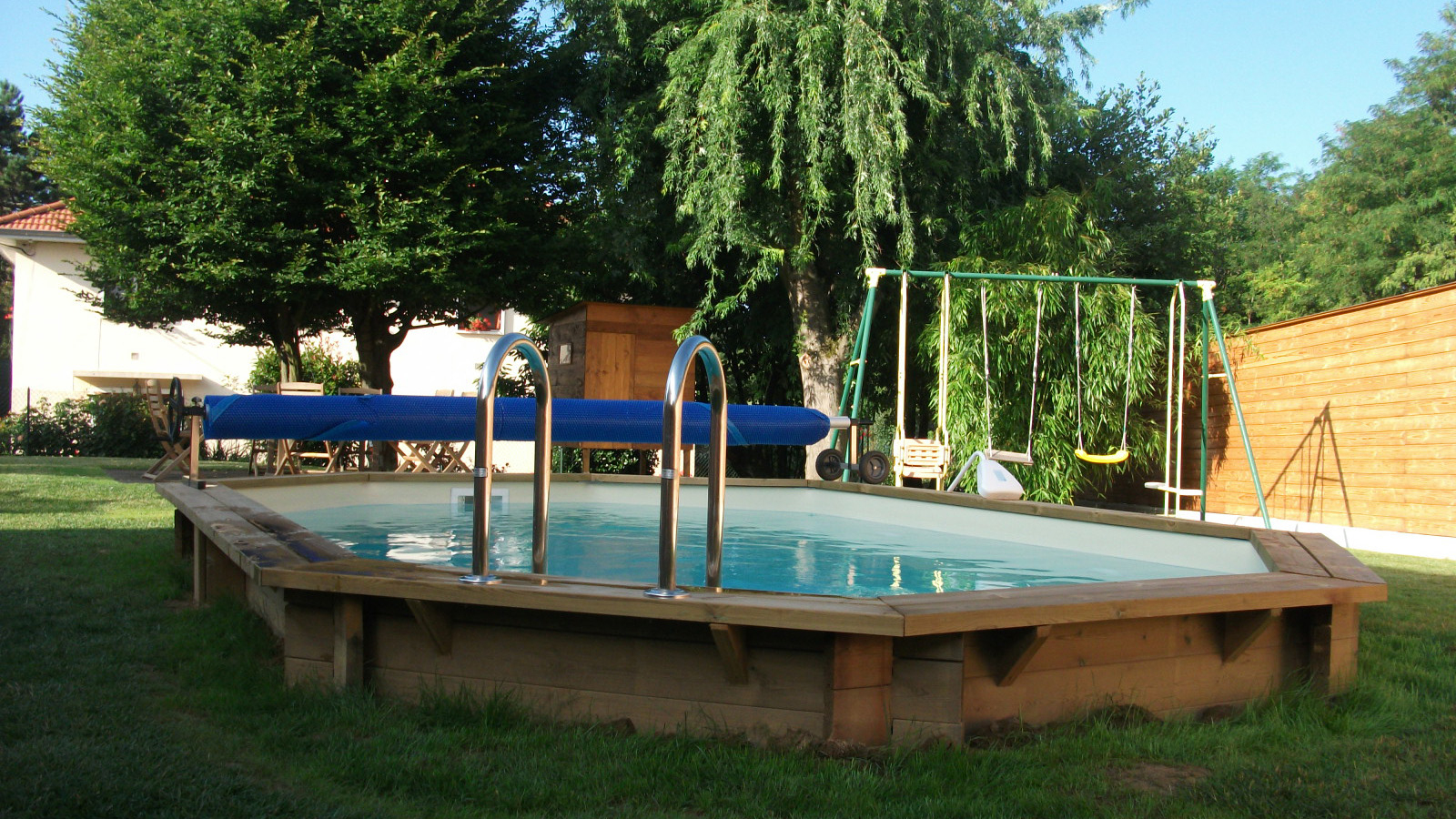 Piscine Bois - Azurea Piscine destiné Enrouleur Bache Piscine Castorama