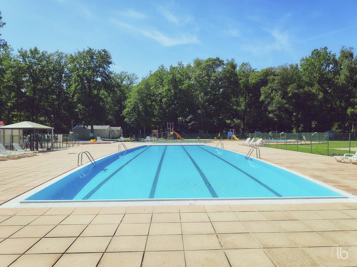 Piscine-Camping-La-Musardiere-Milly-La-Foret-1500X1500 ... intérieur Piscine Milly La Foret