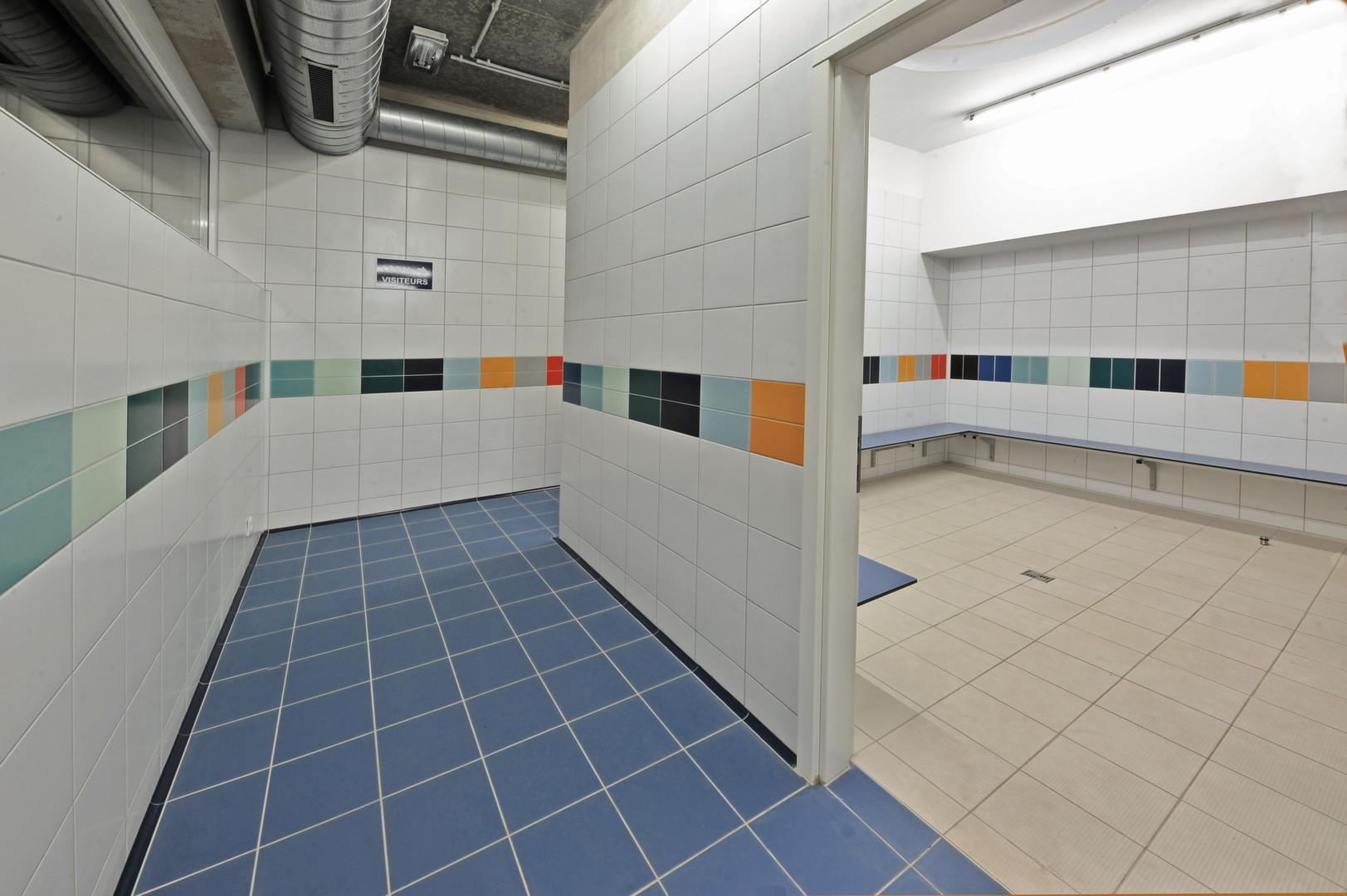 Piscine Carlsbourg Vestiaire Ecole | Créations Gillet destiné Vestiaire Piscine