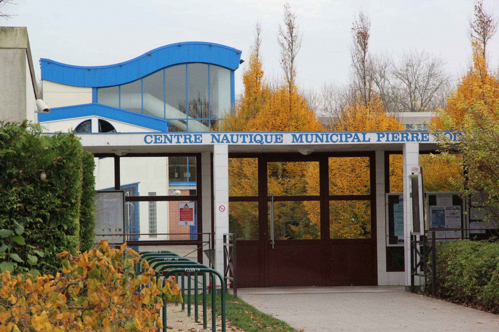 Piscine : Centre Nautique Pierre Toinot - Ville De Sens intérieur Piscine Municipale Sens
