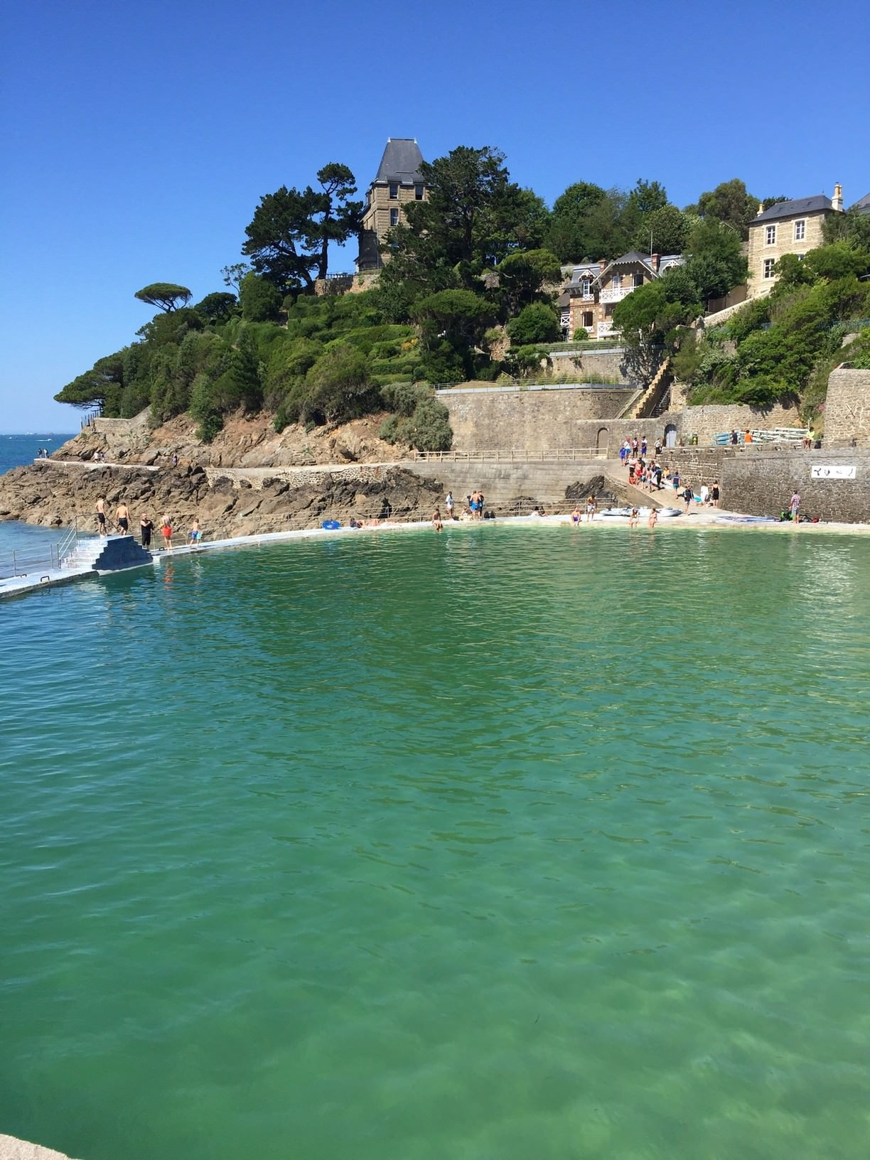 Piscine De Mer, Dinard, France - Sea Water Pool In Dinard ... destiné Piscine St Malo