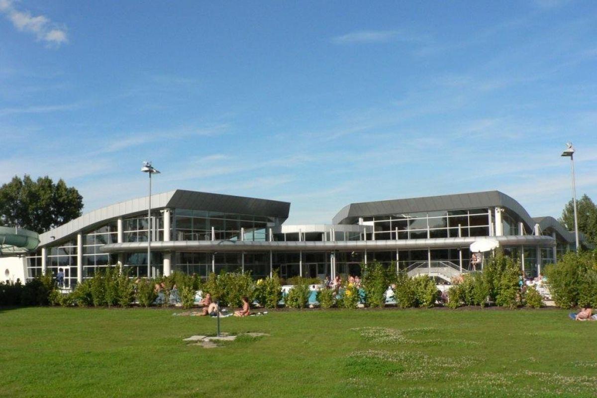Piscine De Rixheim-Habsheim - Centre Nautique Île Napoléon ... intérieur Piscine De Rixheim