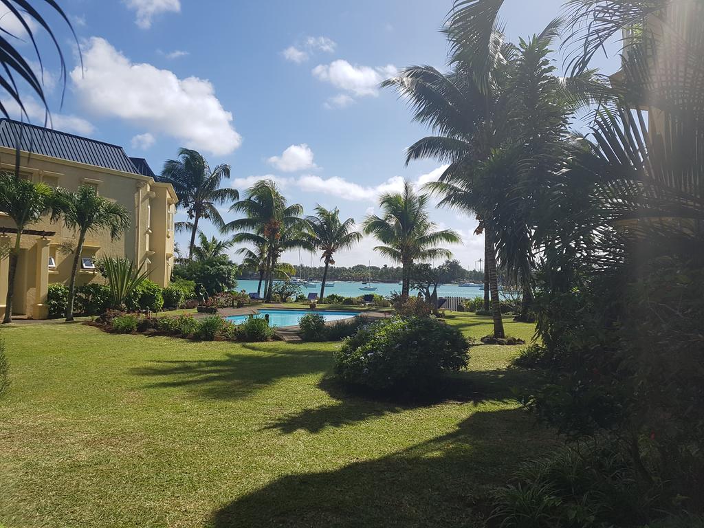 Piscine Et Plage Dans Résidence Séc (Mauritius Grand-Baie ... destiné Bache Piscine Ete