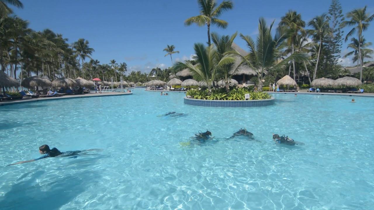 Piscine Principale Club Med Punta Cana, République Dominicaine pour Piscine Bombardiere