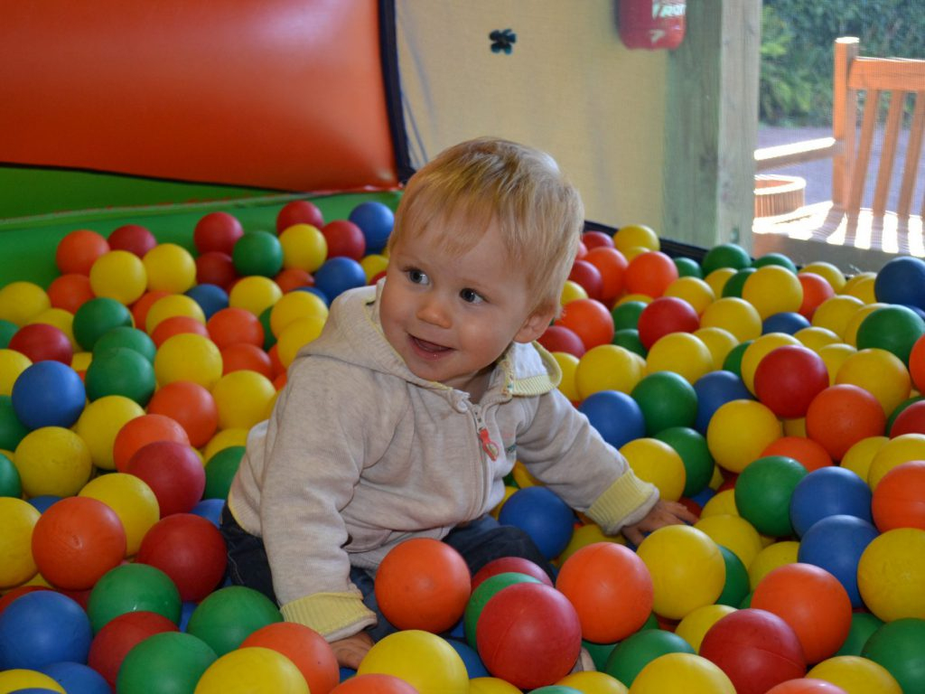 Piscines À Balles : Quels Intérêts Pour Les Enfants ? dedans Piscine A Boule