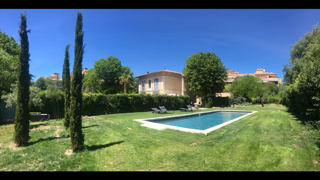 Piscines Desjoyaux Aix En Provence: 2017 destiné Piscine Desjoyaux Prix 2017