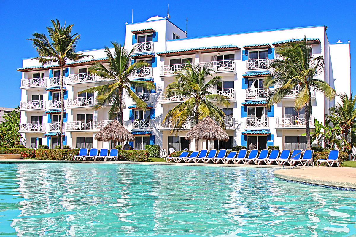 Playa Blanca Beach Resort ***** Dans Vos Agences De Voyages ... à Piscine Alencon