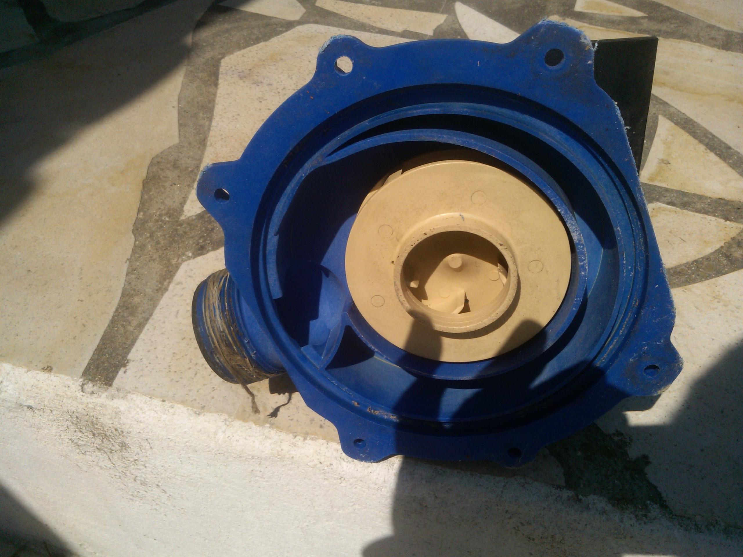 Pompe Piscine Intex De 8M3/h - Piscine - Linternaute intérieur Demontage Pompe Piscine