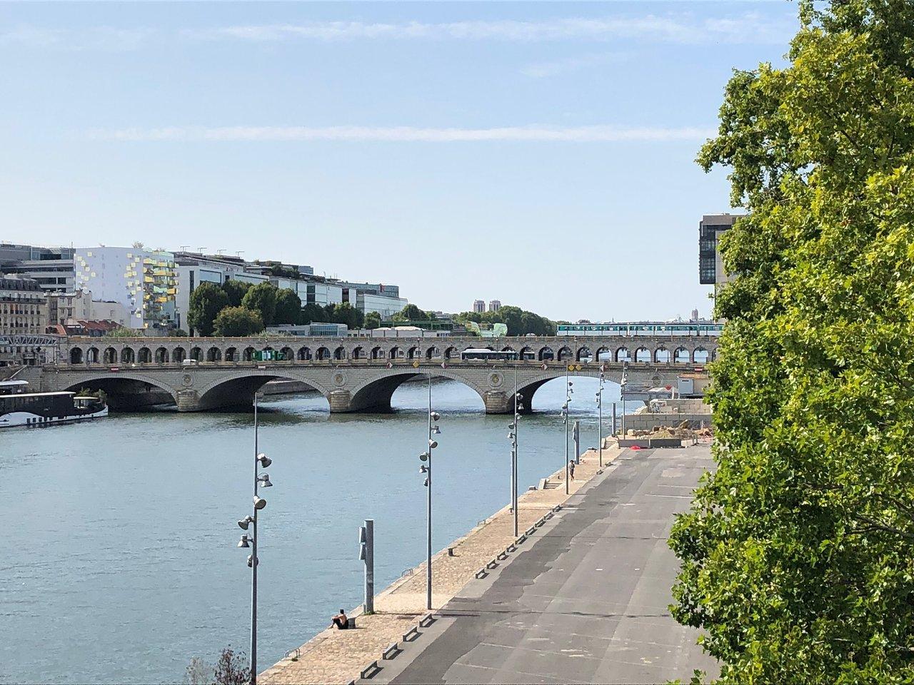 Pont De Bercy - Paris - Pont De Bercy Yorumları - Tripadvisor pour Piscine 19Eme