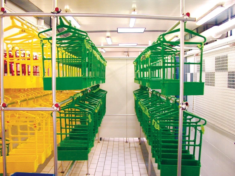 Porte Habits Vestiaire De Piscine - La Maison De La Piscine pour Vestiaire Piscine