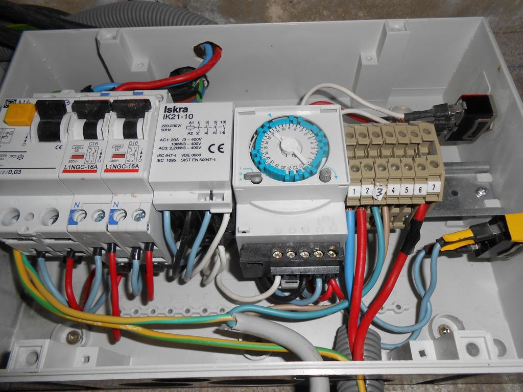 Problème Électrique Coffret Commande Piscine | Conseils Des ... tout Coffret Piscine